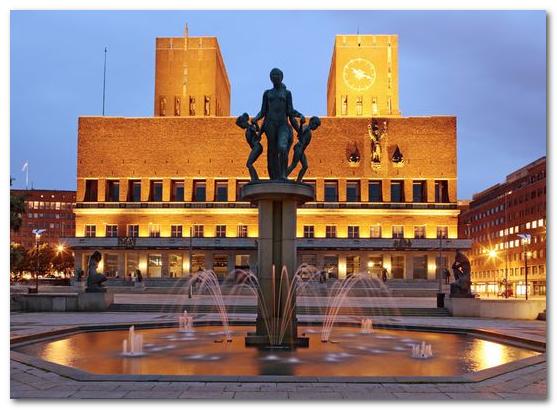 Kết quả hình ảnh cho Tòa thị chính Oslo
